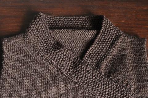 whip stitch neckline.jpg
